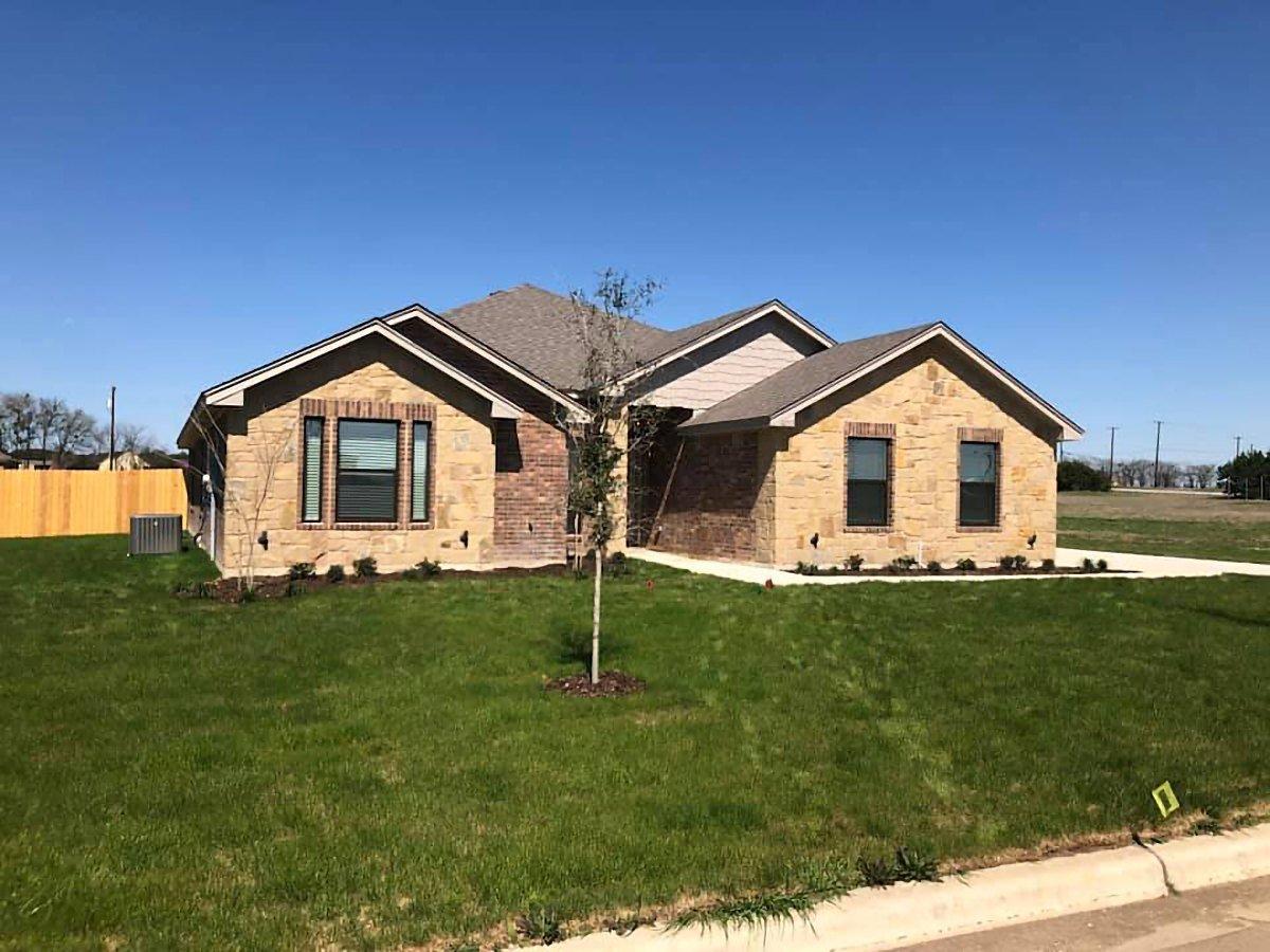 4010 BIG BROOKE - Shelby Home Exterior Salado TX