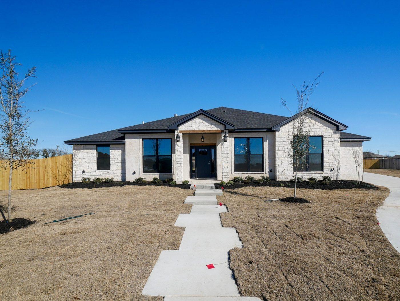 4006 BIG BROOKE - Shelby Home exterior Salado TX